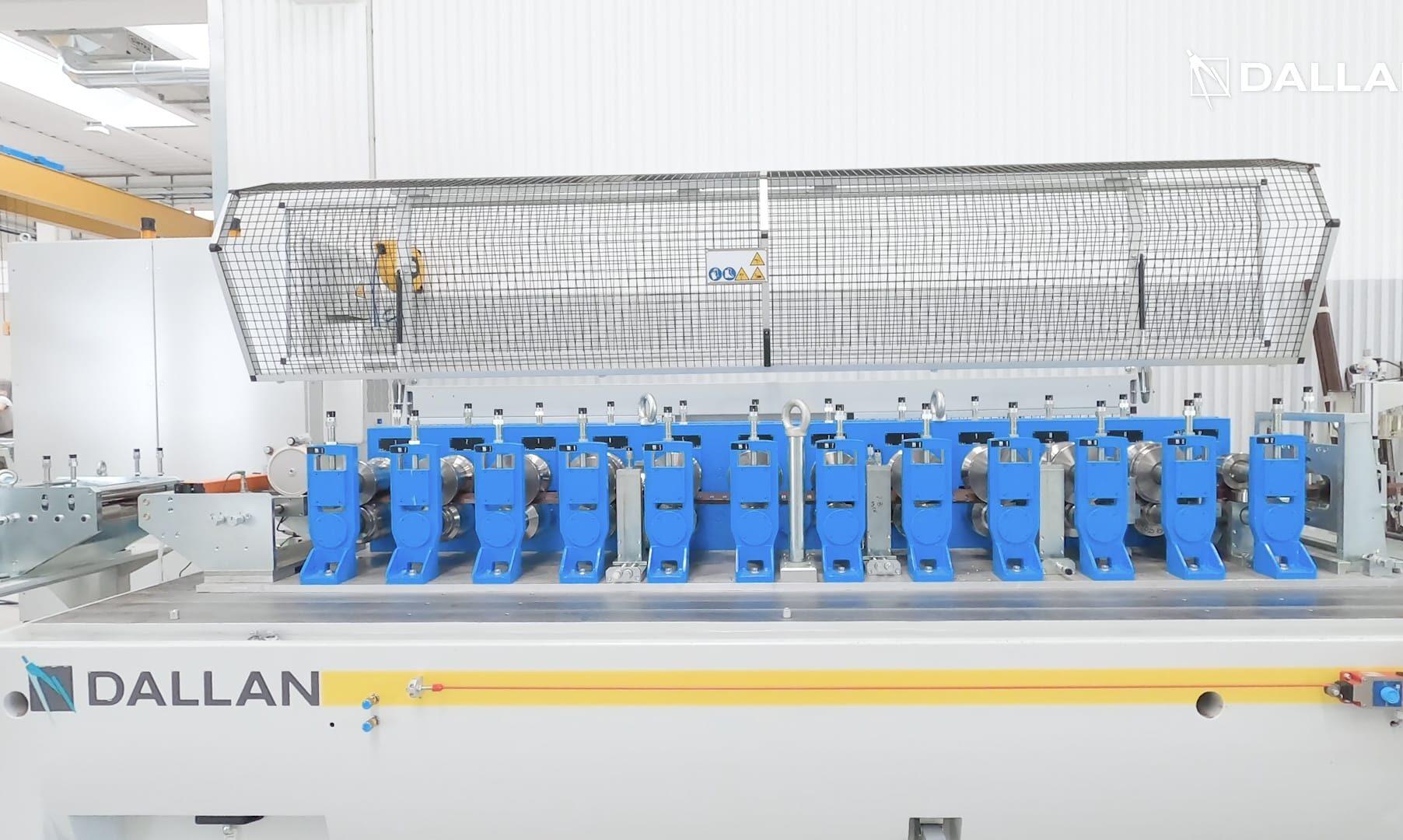 Dallan T4 precision roll forming machine